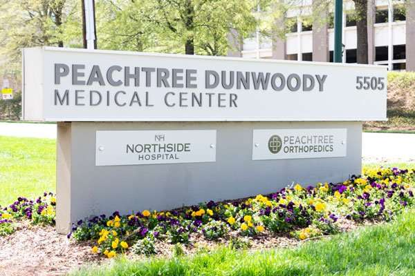 sign peachtree dunnwood medical center 5505 office of dr angela arnold md